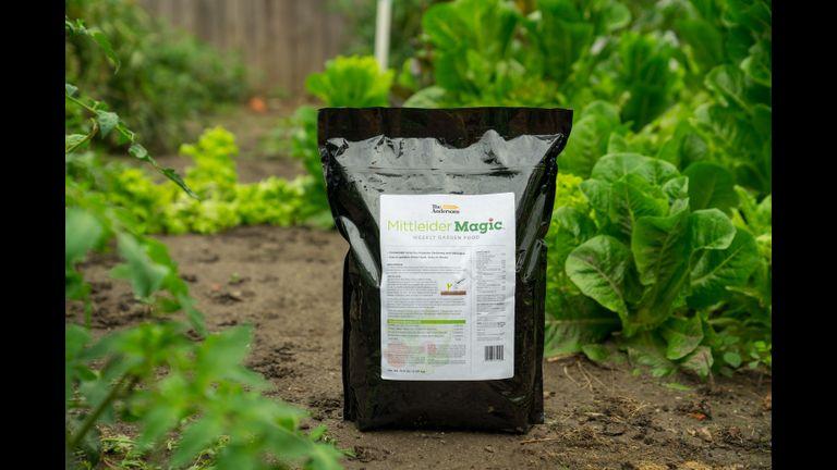 Mittleidermagic bag in garden resize