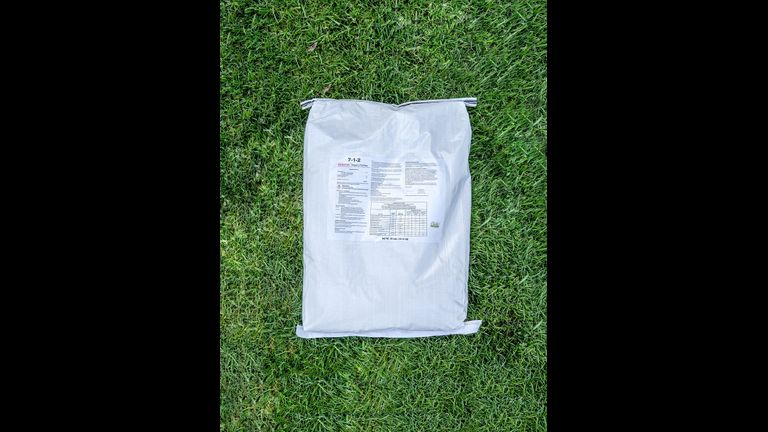 Innova bag flat on grass resize cms
